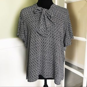 Ann Taylor Loft ribbon front neck tie blouse large